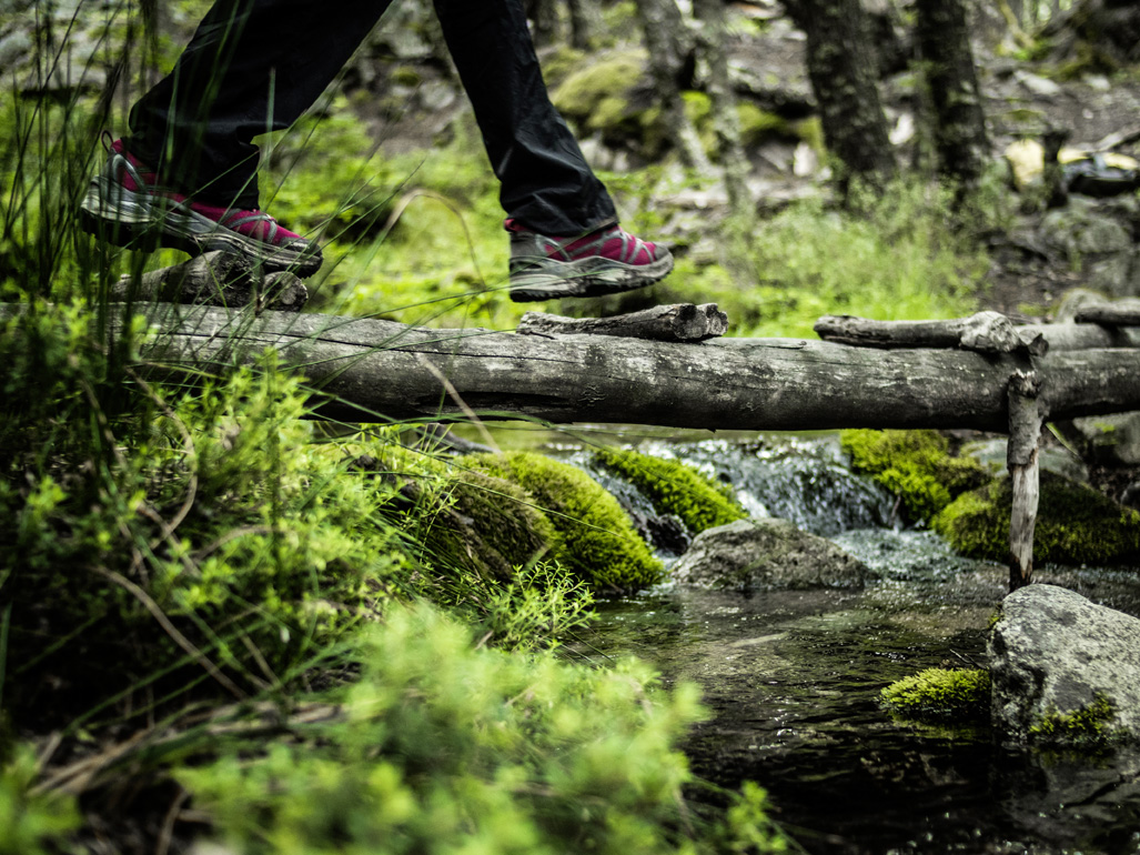 runners-lab-hybrid-walking-fast-hiking-comfort